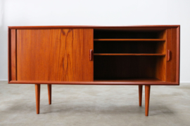 Deens design dressoir ontworpen door Svend Aage voor Faarup Mobelfabrik 1950s