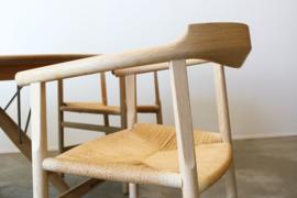 Deens design eethoek ontworpen door Hans J. Wegner voor PP. Mobler