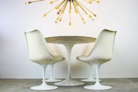 Originele Tulip design eethoek ontworpen door: Eero Saarinen voor Knoll International 1960