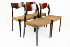 Set van 4 ''Model 71'' stoelen in Palissander Designed by: Niels Otto Moller