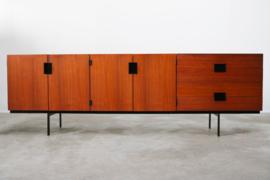 Design dressoir model: DU03 ontworpen door: Cees Braakman voor Pastoe 1954