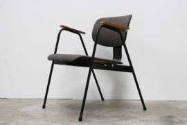 F1 Chair Designed By: Willy Van Der Meeren