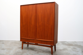 Deens design highboard ontworpen door Svend Aage Madsen 1950