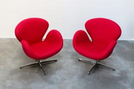 vintage fauteuils naar de Swan Chair