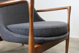 Smaakvolle Deense fauteuils / lounge chairs in massief walnoot