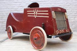 Antieke Ford v8 Trap auto van hout circa 1930