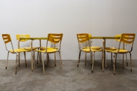 8 x Set: Industriële Tolix Tafel + 4 stoelen Leuk voor Terras