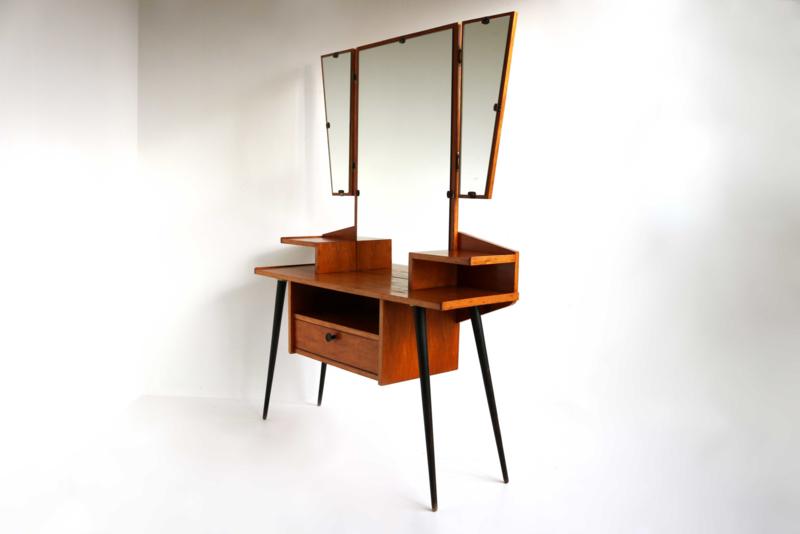 Vintage kaptafel met drieluik-spiegel