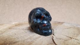 Heliotroop human skull