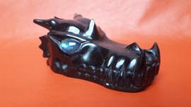 Obsidiaan zwart met labradoriet ogen draak