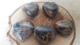 Maansteen zwart hart