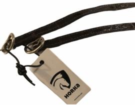 Nieuwe, zwarte lak sporenbandjes van Horka. 45 cm.