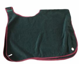 Wollen uitrijdeken groen. Maat 130 cm (ondermaat).