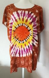 Kleurrijk shirt tie dye Bali, wijdte 136 cm, lengte 76 cm. 100% rayon. Maatbereik 36 t/m 50.