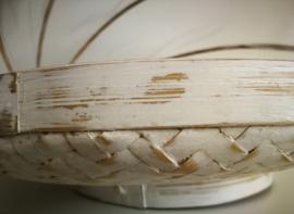 Ronde bamboe white wash gaasmand. Met scharnierend net op kokosschroef. Diameter 28 cm.