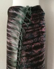 Exclusieve tie dye sarong van zware kwaliteit. Uit Dian's collectie. 115x150 cm met sarongknoop. 100 % rayon.