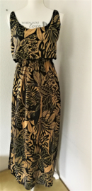Voor lange zwoele zomerdagen. Maxi jurkje 'Bali organic', elastische taille, dubbel losvallend bovenpand, gerimpeld achter. Verstelbare schouderbandjes, zijsplitjes. Lang 138 cm. Bovenwijdte tot 94 cm, taille 80 cm, heup tot 110 cm. 100% rayon. 38/42.