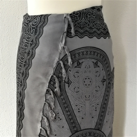 Sarong Mandala XL antraciet/zwart.