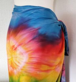 Sarong Tie Dye. 115x150 cm 100% Rayon (kunstzijde) wasbaar op 30 graden.Met sarongknoop.