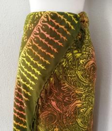 Batik sarong 'Bali Art'. 115x160 cm met sarongknoop. 100 % rayon.