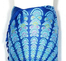 Sarong pauw, blauw/multi. Symbool van onsterfelijkheid.