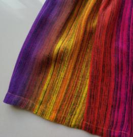 Voor kleurrijke baby's. Balinees new born jurkje. Maat 50/56. 100% ademend rayon. Machinewas op 30 graden.