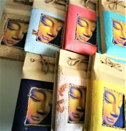 Voor een liefdevolle boodschap; Boeddha nature notitie blokje. 7x12 cm. Rijstepapier. Leverbaar vanuit assorti.