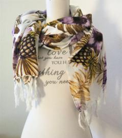 Sarong  Kolibri paars/multi. 115x160 cm, 100% Rayon (kunstzijde) wasbaar op 30 graden. Met sarongknoop.
