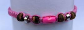 Macramé bracelet pink
