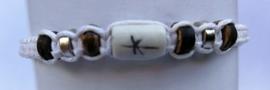 Macramé bracelet wit.