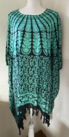 Sarongshirt  Pauw met wijde hals 100% rayon. One size. ( wijdte 1.88 lengte 85 cm.)