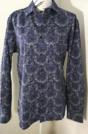 Blouse/overhemd. Balinese L wijdte 102 cm Mouwlengte 64 cm. Schouderbreedte 45 cm. Lengte 76 cm. 100% Zacht katoen.