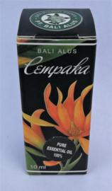 Chempaka (Magnolia) 100 % pure essentiële olie. Als aromatherapie, op de huid of als verdamper. Geeft vertrouwen in de toekomst en de moed om eigen wegen te gaan en weerstand te overwinnen. Is als voedsel voor de ziel.Helpt bij krampen en spanningen 10 ml