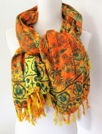 Dubbel batik sarong 'nature' geel/oranje. 120x140 cm met sarongknoop. 100 % rayon.