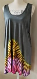 Mouwloze tricot  top Tie dye Bali. Maat 40 t/m 44. Bovenwijdte 1.26 cm, heup 1.48,  lengte 83 cm. 100% katoen.  Maat 48/52