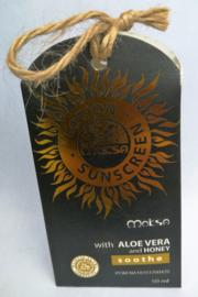 Moksa Sunscreen lotion. Hoge beschermingsfactor, gebaseerd op de Aziatische zonnekracht. Met Aloe Vera en honing. Tube van 50 ml.