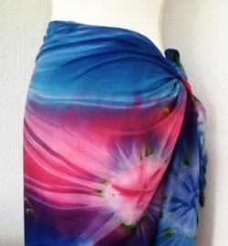 Sarong Tie Dye. 115x150 cm 100% Rayon (kunstzijde) wasbaar op 30 graden. Met sarongknoop.