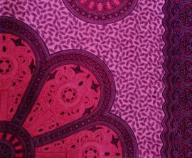 Sarong Mandala, licht en donker fuchsia.