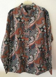 Blouse/overhemd. Balinese L  wijdte 104 cm Mouwlengte 66 cm. Zacht katoen.