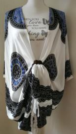 Sarong vest Mandala 'Circle of Life', hemelsblauw/ wit/zwart, kleur keelchakra. 100% rayon, met sarong knoop.