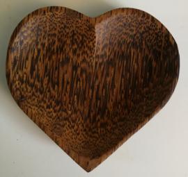 Hartenschaaltje van palmhout. 12x13x2,5 cm