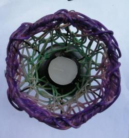 Bijzonder gevlochten handgemaakt sfeerlichtje van rattan (rotan). 12x15 cm.  Herkomst Noord Bali.