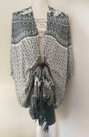 Sarong vest olifant fantasie grijs/wit. 100% rayon, met sarong knoop
