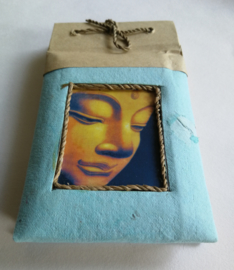 Voor een liefdevolle boodschap; Boeddha nature notitie blokje. 7x12 cm. Rijstepapier. Diverse kleuren. Max 1 product per bestelling.