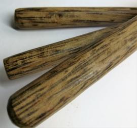 Sla couvert met extra lepel. Kokosnoot met palmhout. Aanhechting van rattan.