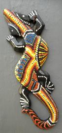 Gekko. Symbool van geluk. Gemaakt door de Balinese aboriginals. Laat hem tegen de muur opkruipen. 24 cm.