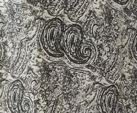 Mouwloze top. Paysley grijs/wit, met ronde zoom. Maat 44 t/m 52. Lengte 69 cm, bovenwijdte 1.18 cm, heup 1.28. 100% rayon