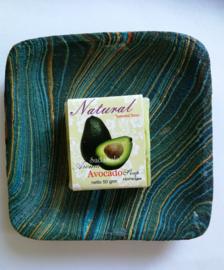 Schitterend zeepbakje met zand beschilderd hout. 12x12  cm. Tezamen met geurend Bali home spa zeepje avocado van 50 gram.