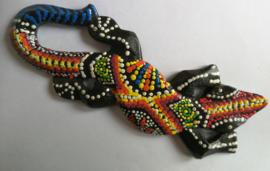 Gekko. Symbool van geluk. Gemaakt door de Balinese aboriginals. Laat hem tegen de muur opkruipen. 20 cm.