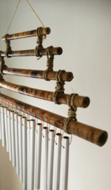 Windchime handgemaakte bamboo trappeze met 15 alluminium buizen. Laat je hart aanraken door deze subtiele Balinese klanken.
